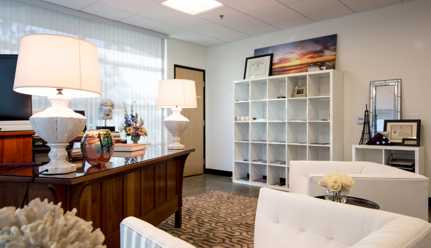 Office-furniture-rental-Huntington-Beach-commercial-staging-13