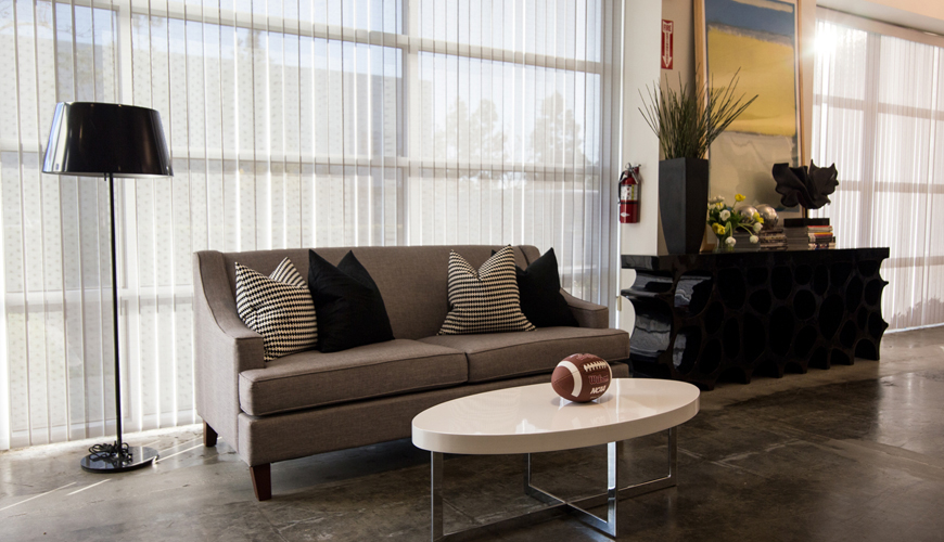 Office-furniture-rental-Huntington-Beach-commercial-staging-21