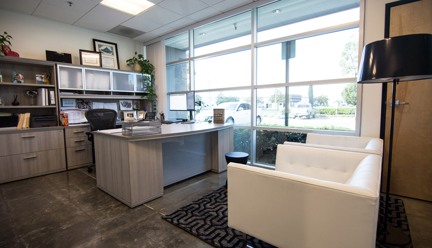 Office-furniture-rental-Huntington-Beach-commercial-staging-25