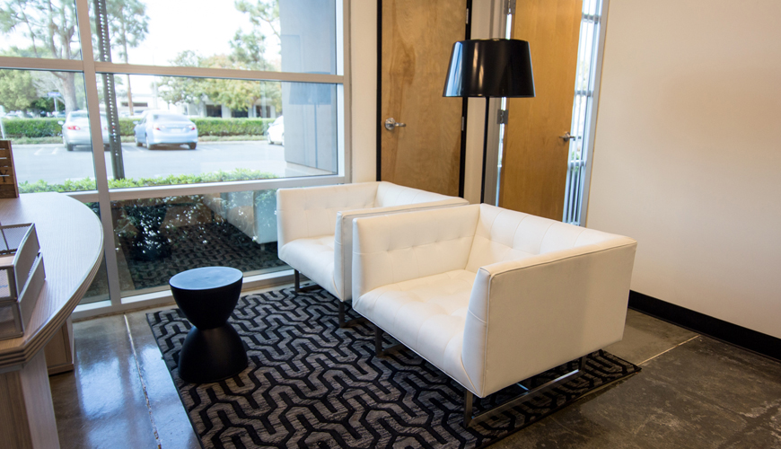 Office-furniture-rental-Huntington-Beach-commercial-staging-26