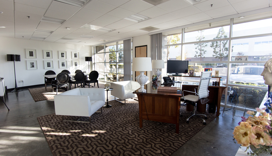 Office-furniture-rental-Huntington-Beach-commercial-staging-6