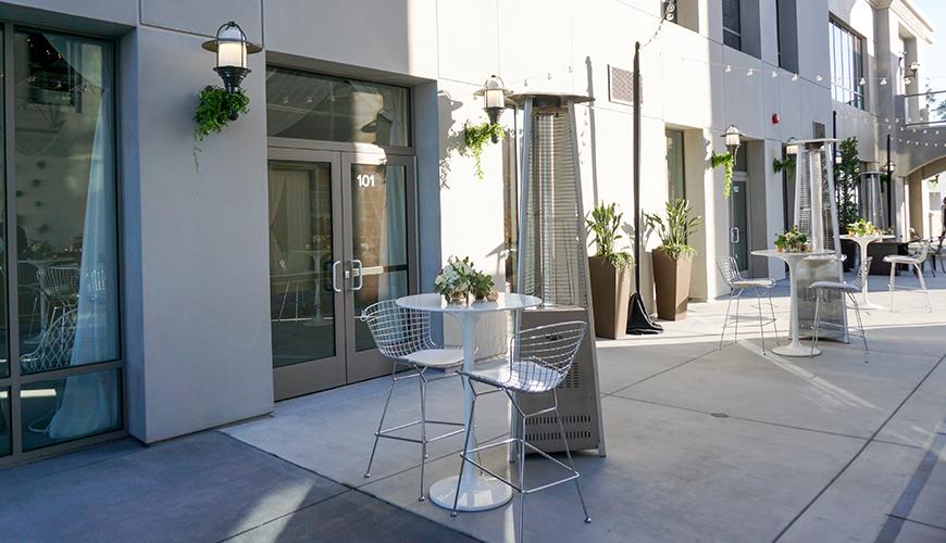 vue-newport-social-events-furniture-rentals-4
