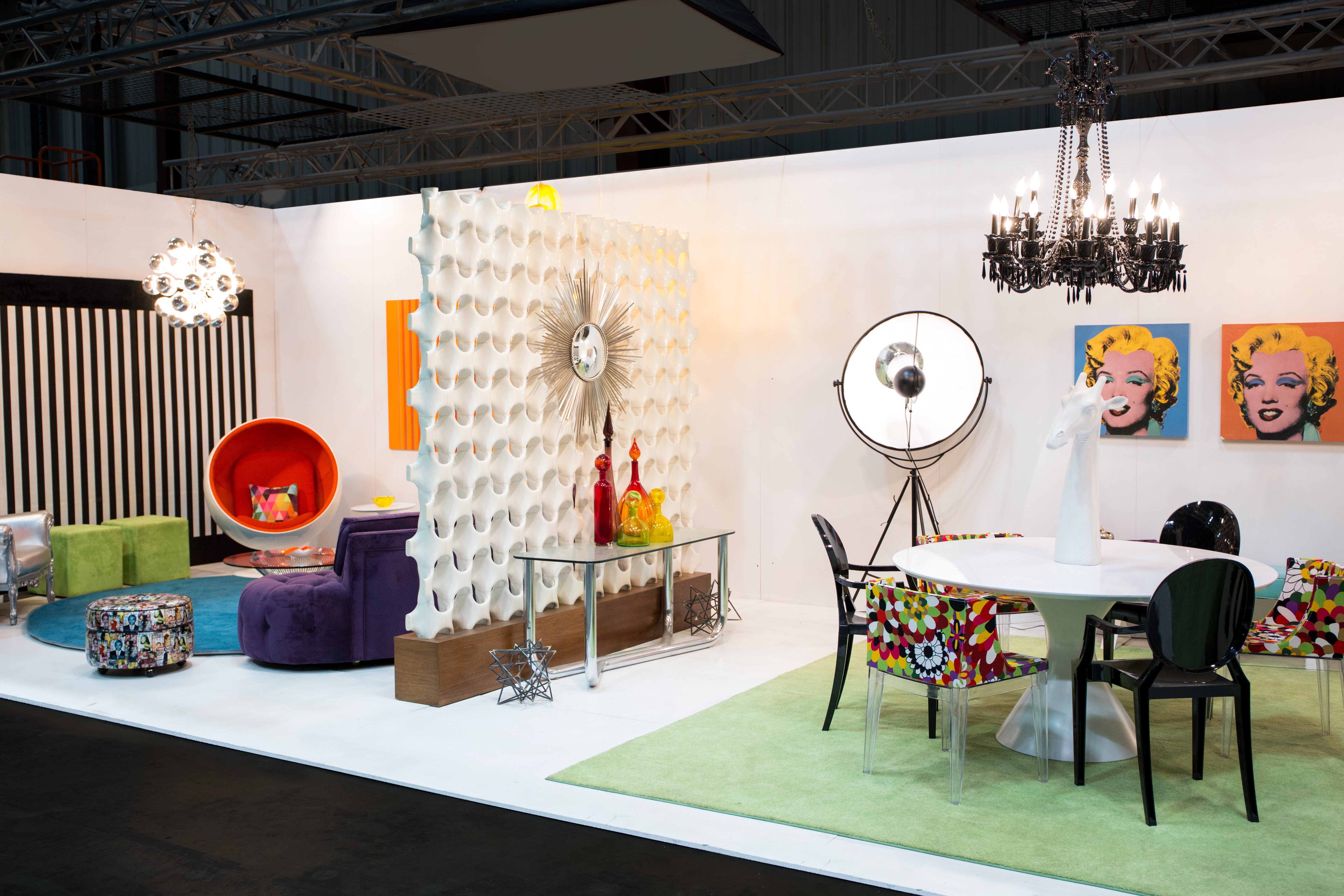 Vignette Vibes 3 trade show furniture rental 10